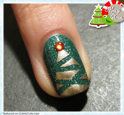 Abstract Christmas Tree Nail Art